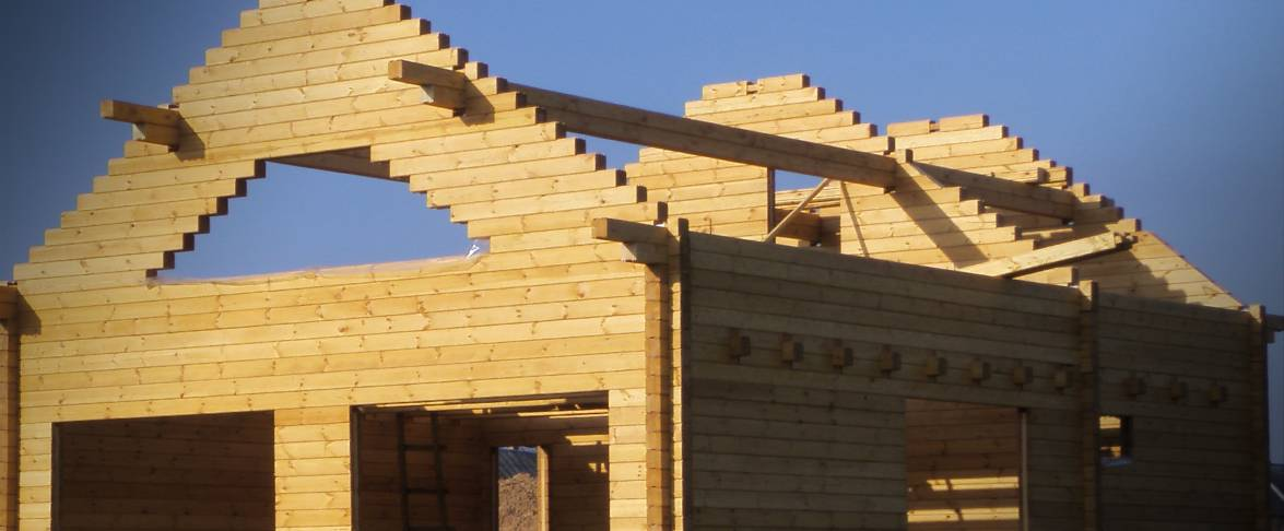 Completion of the gables by tying the beams