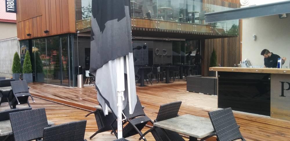Cafes Wanddekorationen aus Lärche